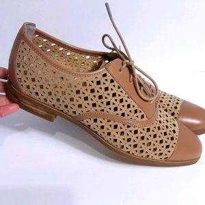 ❤❤❤MICHAEL KORS LEATHER UPPER SHOES SIZE 7❤❤❤